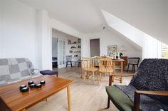 Gladsaxevej 73, 3. th., 2860 Søborg - Stor, charmerende kvistlejlighed med 2 altaner #søborg #ejerlejlighed #boligsalg #selvsalg