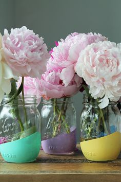 DIY file: Painted Mason Jars Use chalkboard paint for anniversary gift