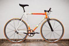 colnago_orange_tires_1_2_grande.jpg (600×400)