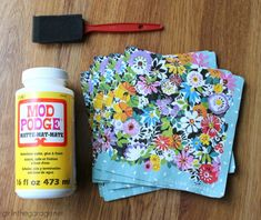 How to Decoupage Napkins onto Wood - Girl in the Garage® - - How to decoupage napkins onto wood in this easy DIY tutorial with free printable instructions. Confidently create your own decoupage napkin projects! Diy Mod Podge, Mod Podge Crafts, Mod Podge Ideas, Upcycled Wooden Crates, Diy Wooden Crate, Wooden Crafts, Wood Crates, Crate Crafts, Upcycled Crafts