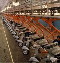 Vespa 50cc, Vespa Motorcycle, Motos Vespa, Lambretta Scooter, Vespa Lambretta, Vespa Scooters, Lml Star, Vespa Smallframe, Vespas