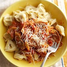 Garlic-Artichoke Pasta Herb-infused tomatoes tango with garlic, artichokes, and cream for a pasta sauce with Mediterranean flair. Garnish this Garlic-Artichoke Pasta with your favorite cheese and sliced olives.