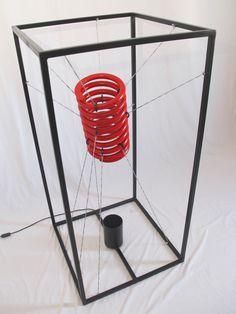 MOLLA-MI. Lampada/scultura realizzata utilizzando ferro, acciaio e… molle di camion!