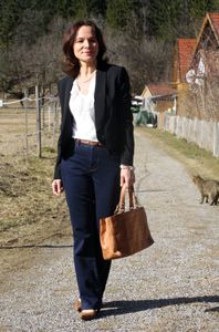 http://www.ladyofstyle.com/2014/03/dressed-up-bootcut-jeans-by-isabi.html