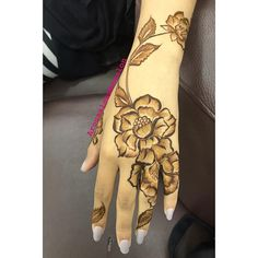 Best 12 Image may contain: one or more people Modern Henna Designs, Arabic Henna Designs, Stylish Mehndi Designs, Latest Mehndi Designs, Mehndi Designs For Hands, Henna Tattoo Designs, Khafif Mehndi Design, Floral Henna Designs, Bridal Henna Designs