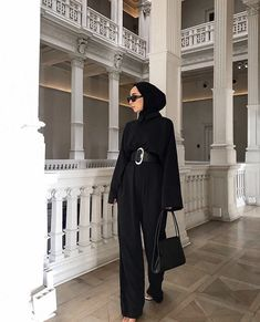 Hijab Jumpsuit Models For A Elegant Look Modern Hijab Fashion, Modesty Fashion, Muslim Fashion, Pantalon Large, Casual Outfits, Fashion Outfits, Hijab Chic, Muslim Girls, Mode Hijab