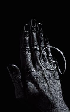 Karolina Pernar | Sculptures to Wear Jewelry Crafts, Jewelry Art, Jewelry Rings, Jewelry Accessories, Fashion Jewelry, Jewelry Design, Metal Jewelry, Gold Jewelry, Jewelery
