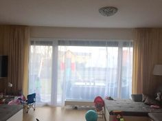 Moderní záclony a závěsy do obývacího pokoje