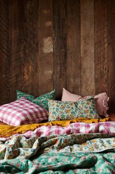 These 4 Living Room Trends for 2019 – Modells. Home Bedroom, Bedroom Decor, Girls Bedroom, Bedrooms, Floral Bedding, Tribal Bedding, Living Room Trends, Soft Furnishings, My Room