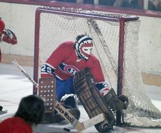 Ken Dryden's 1983 meditation on his life with the dynastic Montreal Canadiens has been republished for its anniversary, with a new closing chapter. Hockey Goalie, Hockey Teams, Hockey Rules, Hockey Stuff, Montreal Canadiens, Nhl, Ken Dryden, Goalie Mask, Vancouver Canucks