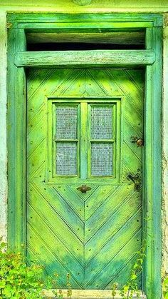 green and yellow door