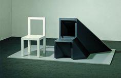 """Timm Ulrichs – """"Ein Stuhl und sein Schatten – aus dem Schatten-Dasein tretend (Peter Schlemihls Stuhl)"""", 1968/80 – Wood, lacquer"""
