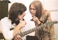 Pattie talking to her husband George Harrison