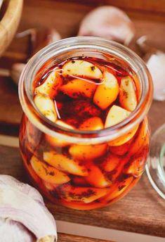 Czosnek w ziołach do słoika Berry, Vindaloo, Chutney Recipes, Kitchen Witch, Appetisers, Kraut, Kimchi, Food Inspiration, Appetizer Recipes