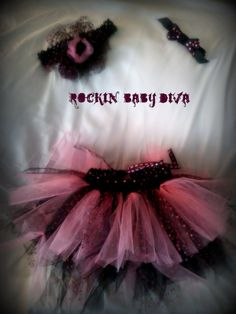 .such an adorable punk rockin' baby or toddler tutu set.