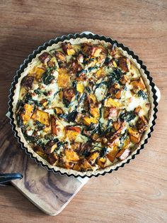 Pie crust made of oats // Pie with hokkaido squash, spinach and feta // Vegetarian + Gluten free