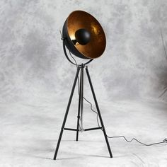 Hollywood tripod gold floor lamp - CL44
