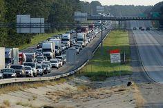 L'évacuation a commencé à plusieurs endroits aux États-Unis.