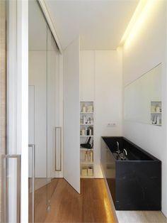 Residenza Soldati - Carrara, Italy - 2011 - Victor Vasilev #interiors #Design #elegance  #bathroom