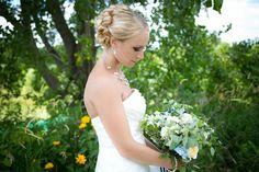 #TheBrideAndHerBouquet #Bride #TheBride #Bouquet #BridesBouquet #Flowers #Weddings