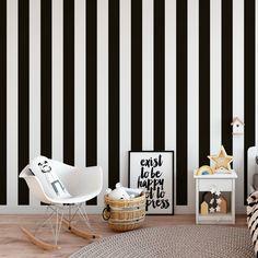 Papel Pintado Rayas Blancas y Negras , ideales para decoración paredes, disponibles en nuestra tienda online por tan solo 15,95 € rollo, entrega inmediata