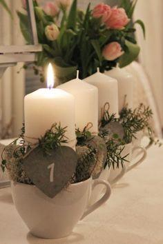 Käranån: Advent - christmas shabby - diy and crafts Christmas Advent Wreath, Nordic Christmas, Very Merry Christmas, Noel Christmas, Christmas Candles, Christmas Projects, All Things Christmas, Winter Christmas, Decoration Table