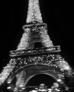 paris, eiffel tower, and black and white image Collage Mural, Bedroom Wall Collage, Photo Wall Collage, Black And White Picture Wall, Black And White Pictures, Tour Eiffel, Black Aesthetic Wallpaper, Black And White Aesthetic, Aesthetic Collage