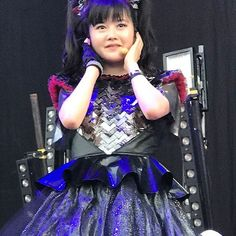 """Yui was so happy and crying because she found many messages of her 18th birthday in the audiences and Su said that """" Happy birthday YUIETAL !"""". Of course I was so happy and crying! #BABYMETAL #YUIMETAL #Birthday #ChulaVista"""
