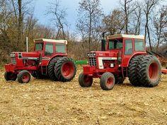 1976 IH 1466 Black Stripe & 1566