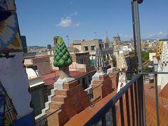 Sul tetto di Palazzo Guell a Barcellona
