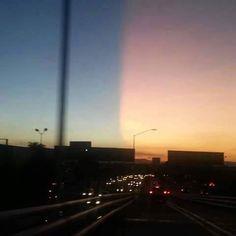 Imágenes tomadas ayer en Guadalajara México por diferentes personas y desde distintos puntos de la ciudad. Un fenómeno que dividió el cielo en 2 partes distintas.