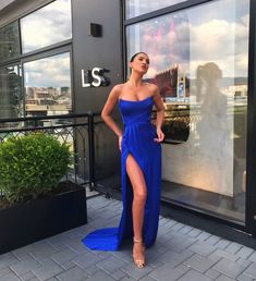 Royal blue Long prom Dress with side slit CR 9213 Dress For You, Dress Up, Play Dress, Prom Dresses Blue, Formal Dresses, Oufits Casual, Mode Inspiration, Evening Dresses, Strapless Dress