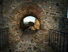 Passaggio Hobbit, Sacra di San Michele, monte Pirchiriano, imbocco della val di Susa,  Sant'Ambrogio di Torino