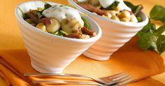 Aprende a preparar Ensalada de garbanzos con setas con las recetas de Nestle Cocina. Elabórala en casa con nuestro sencillo paso a paso. ¡Delicioso! #NestleCocina