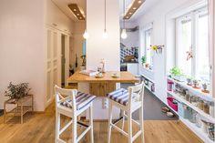 Bar table / kitchen shelving / custom wood lightboxes #shelfstyling #bartable #nakedbulbs