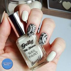 Stamping nail art, mandala / henna inspired black & white nails using Born Pretty Store plate & Barry M polish
