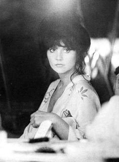 """linda ronstadt- I remember the first time hearing """"your no good"""" and just falling in love with that voice... then as an adult finding the face behind it. it's an oldies weekend with brenden"""