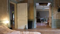 Villanelle's Paris Apartment in Killing Eve embodies the off-beat character herself by mixing expesnive high-fashion with dark and decaying architecture. Luxury Home Decor, Luxury Homes, Paris Flat, Herringbone Wood Floor, Will And Grace, Decorating Blogs, Home Look, Interior Design, Eve
