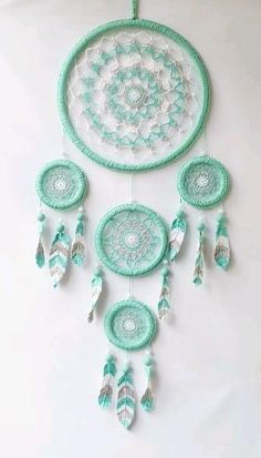 Dream Catcher Patterns, Dream Catcher Decor, Dream Catcher Boho, Doily Dream Catchers, Making Dream Catchers, Dream Catcher Mobile, Diy Crafts Hacks, Diy Crafts For Gifts, Diy Home Crafts
