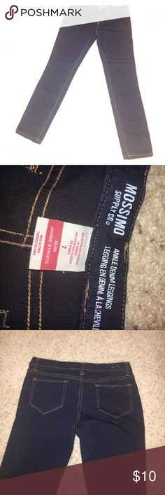 Mossimo Ankle Leggings Dark blue excellent condition ankle denim leggings size 7 slim 66% cotton 32% polyester 2% spandex. The inseam measures 26.5 inchesThe waist measures 15 inches across and they are stretchy Mossimo Supply Co Pants Ankle & Cropped