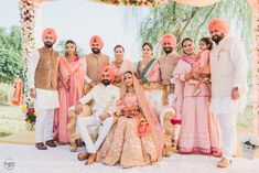 How do I love this wedding? Let me count the ways. There so many cute details that make this simple but sweet Gurdwara wedding amazing. First up, is the sweet embroidered pocket squares all the men in the wedding party. Sikh Bride, Punjabi Bride, Sikh Wedding, Punjabi Wedding, Punjabi Couple, Wedding Lehnga, Punjabi Dress, Punjabi Suits, Salwar Suits