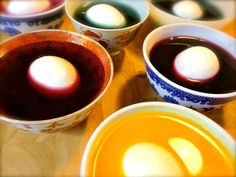 All natural food dye recipe Holiday Fun, Holiday Crafts, Sturgeon Bay, Egg Dye, Food Dye, Dye Recipe, Dining, Tableware, Recipes