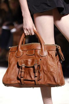 339f0dc54be Chloé Spring 2006 Ready-to-Wear Collection Photos - Vogue Handbag  Accessories