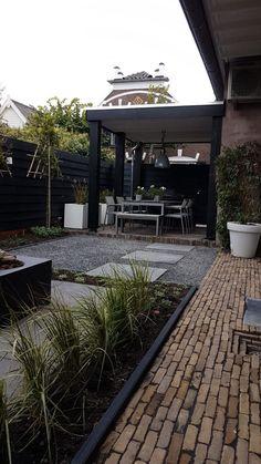 Tuinontwerp en tuinaanleg Numansdorp Hoeksche Waard Backyard Cabin, Backyard Garden Design, Patio Design, Backyard Landscaping, Outside Living, Outdoor Living, Backyard Sitting Areas, Outdoor Garden Rooms, Gardens Of Stone