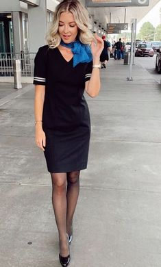 Delta Flight Attendant, Airline Attendant, Air Hostess Uniform, Airline Uniforms, Sexy Legs And Heels, Black Stockings, Great Legs, Beauty Women, Cool Outfits
