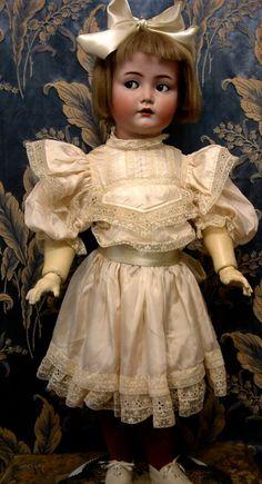 "28"" Kammer & Reinhardt Doll"