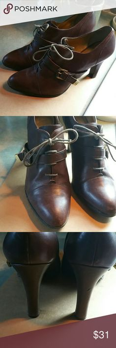 """BANANA REPUBLIC GORGEOUS LEATHER OXFORD Also Has Buckle w/Gold Hardware. 4"""" heels. A bit of scuffing on toes ,easily polished over and 1 small divot  on the right heel~  Otherwise great condition. Very cool shoe... Banana Republic Shoes Heels"""