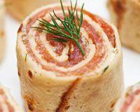Crêpes apéritives au saumon (facile, rapide) - Une recette CuisineAZ