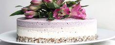 Rå Bringebær og Jordbær kake med kokos og vanilje - Life Low Carb Keto, Paleo, Food And Drink, Desserts, Tailgate Desserts, Deserts, Beach Wrap, Postres, Dessert
