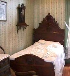 Mary Todd Lincoln's Stay at Bellevue Place (Bed she slept in)